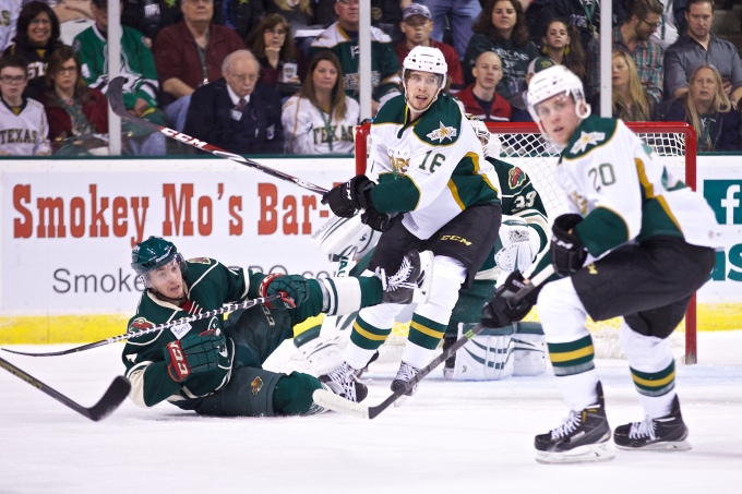Curtis McKenzie in his only AHL game before getting called up to Dallas. (Photo by Christina Shapiro/Texas Stars)