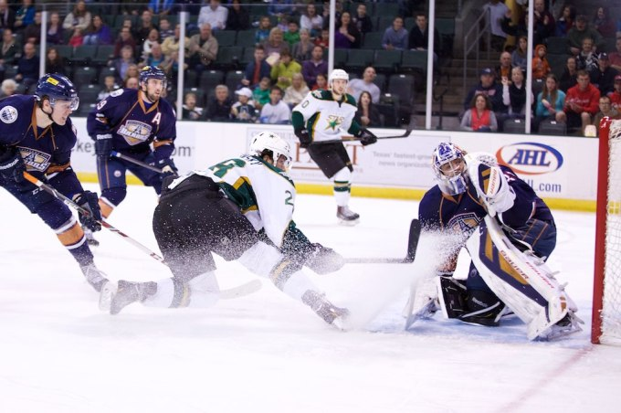 Matej Stransky just misses a 2-on-1 chance against Richard Bachman. (Photo by Christina Shapiro/Texas Stars)