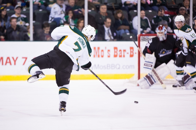 Julius Honka fires and scores in the first period. (Photo by Christina Shapiro/Texas Stars)